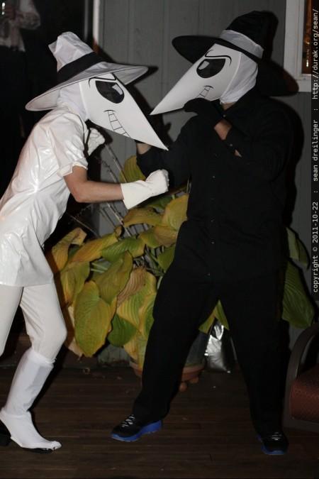Spy VS Spy. צילום:  sean dreilinger, cc-by-nc-sa