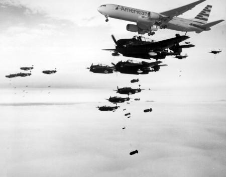 מטוס אמריקן איירליינז מפציץ. צילומים: Marion Doss (cc-by-sa),  Aero Icarus (cc-by-nc-sa); עיבוד: עידו קינן