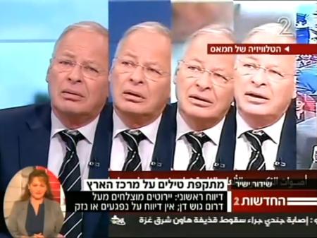 אהוד יערי משתכפל על מסך ערוץ 2 וערוץ החמאס בזמן מבצע צוק איתן