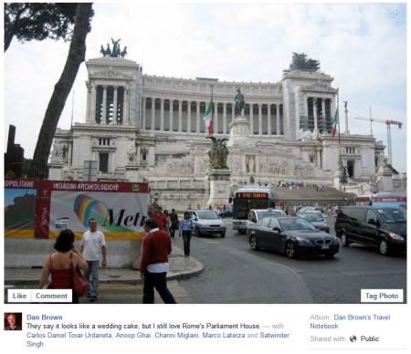 פוסט פייסבוק של דן בראון, שמזהה את האלטרה דלה פאטריה כבניין הפרלמנט ברומא