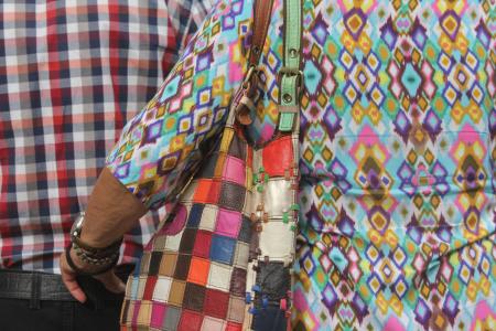 זוג ה-test pattern, רחוב אלנבי בואכה שוק הכרמל, תל אביב, 210.2015. צילום: עידו קינן