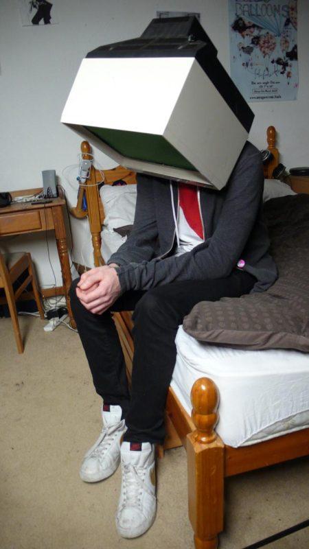 טלוויזיה עצובה. תמונה: Toby Evans (cc-by-nc)