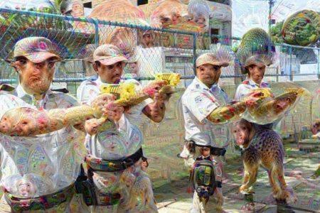 שוטרים עם טייזרים. תמונה: Fotos GOVBA (cc-by-nc-sa); עיבוד: דיפדרים