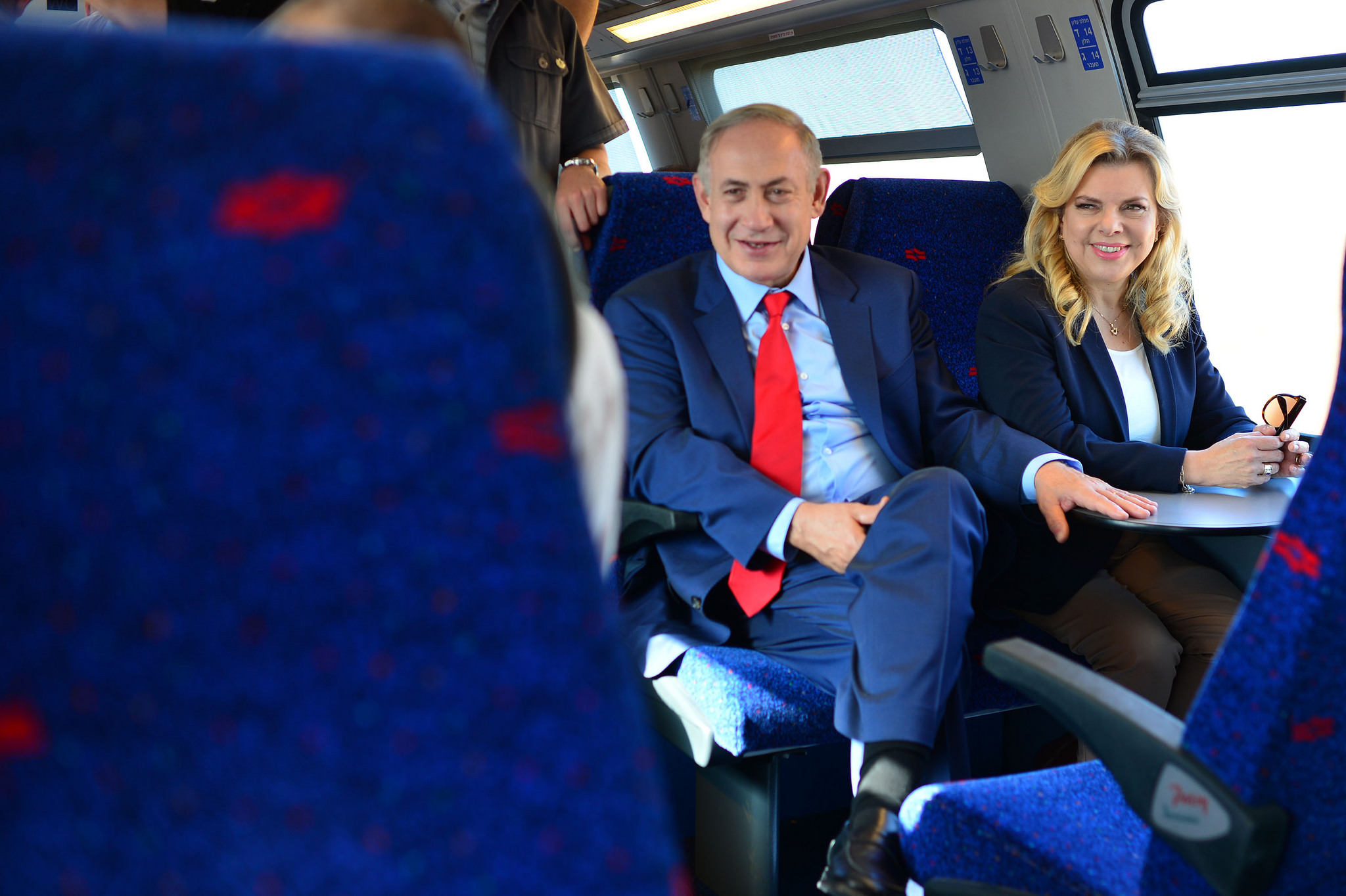 """שרה נתניהו ובעלה, ראש הממשלה בנימין נתניהו, בחנוכת רכבת העמק 📸 קובי גדעון, לע""""מ"""