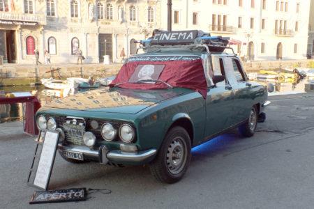 קולנוע במכונית. תמונה: prof.bizzarro (cc-by)