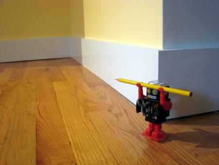 רובוט מחזיק עפרון 📷 Logan Ingalls (cc-by)