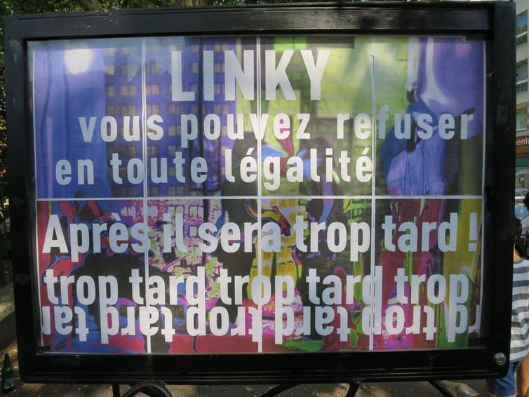 שלט אנטי לינקי ב-Montreuil שקורא להתנגד ללינקי לפני שיהיה מאוחר  📸 Carole Sale-res CC-BY