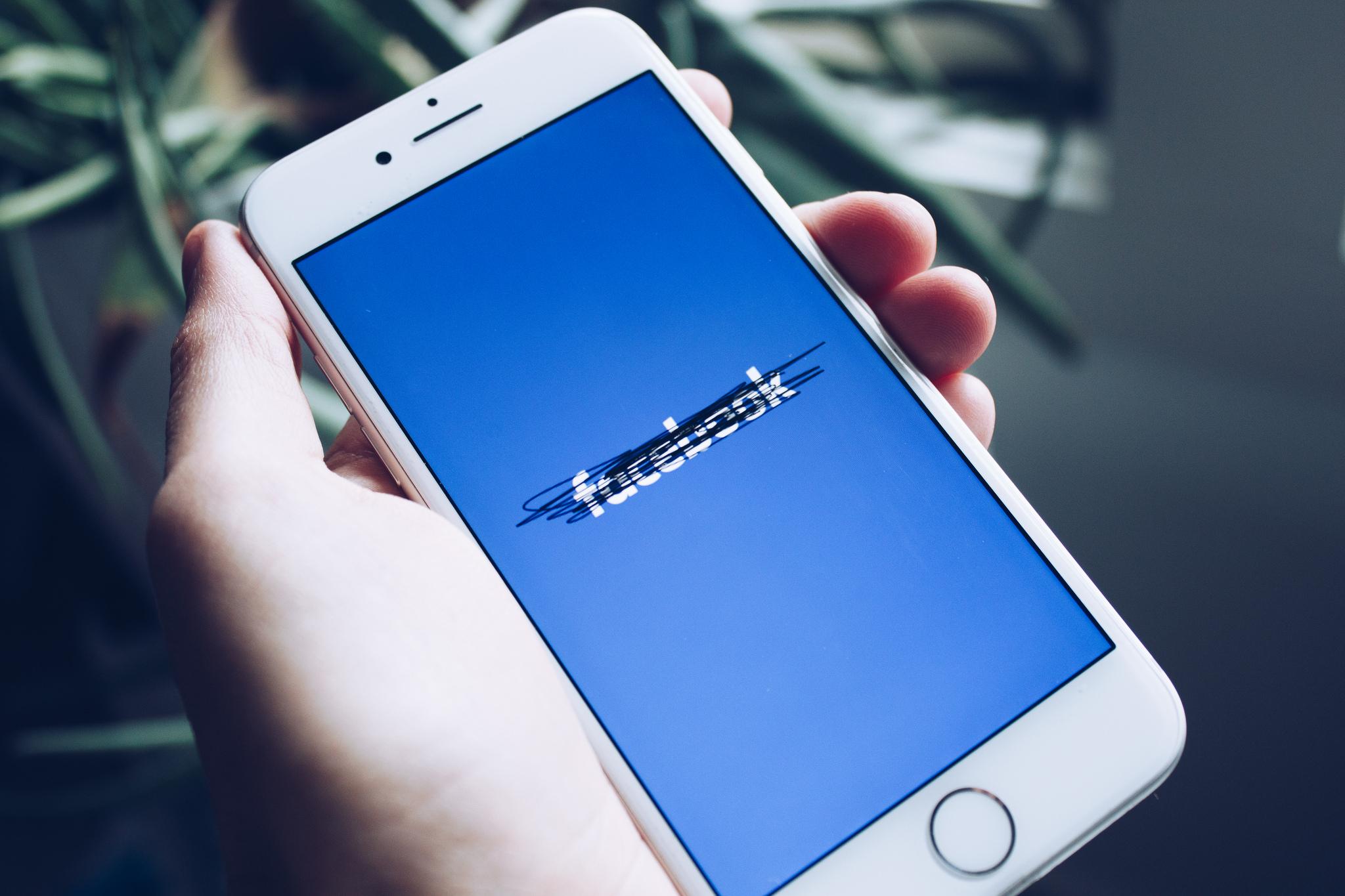 #DeleteYourSocialMediaSite, פייסבוק 📸 shopcatalog.com