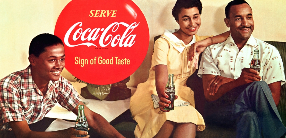 במרכז: מרי אלכסנדר, האפרו-אמריקאית הראשונה במודעה של קוקה קולה